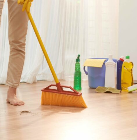 10 Efficient Spring Cleaning Tips